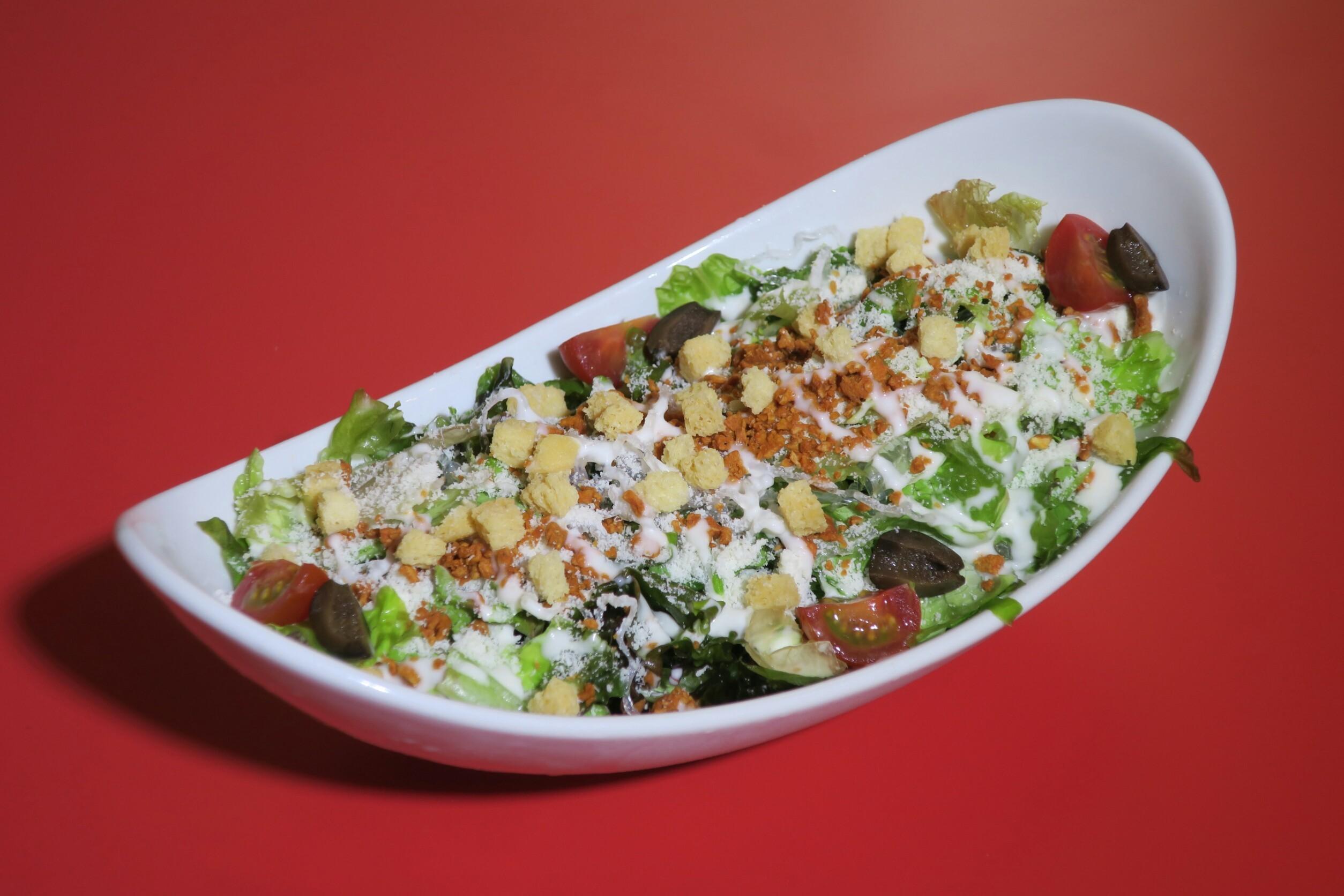 新食感のマリンパスタが入った 「シーザーサラダ」page-visual 新食感のマリンパスタが入った 「シーザーサラダ」ビジュアル